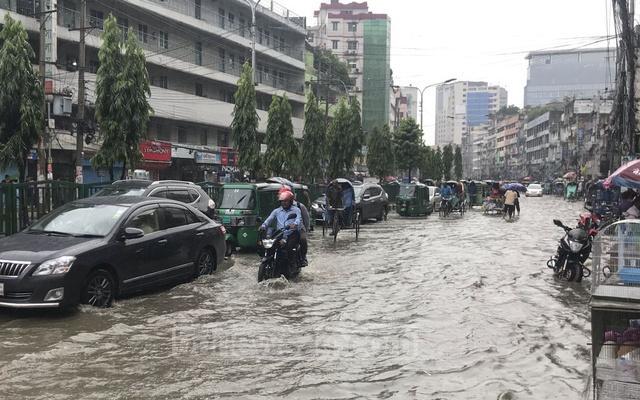 Days of rains ignite fresh fears of floods in Bangladesh