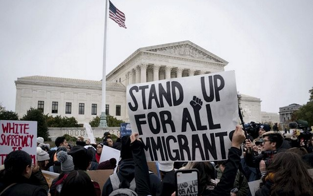 Supreme Court appears ready to let Trump end 'Dreamers' program