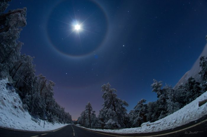 BIBLICAL MEANING OF HALO AROUND THE MOON